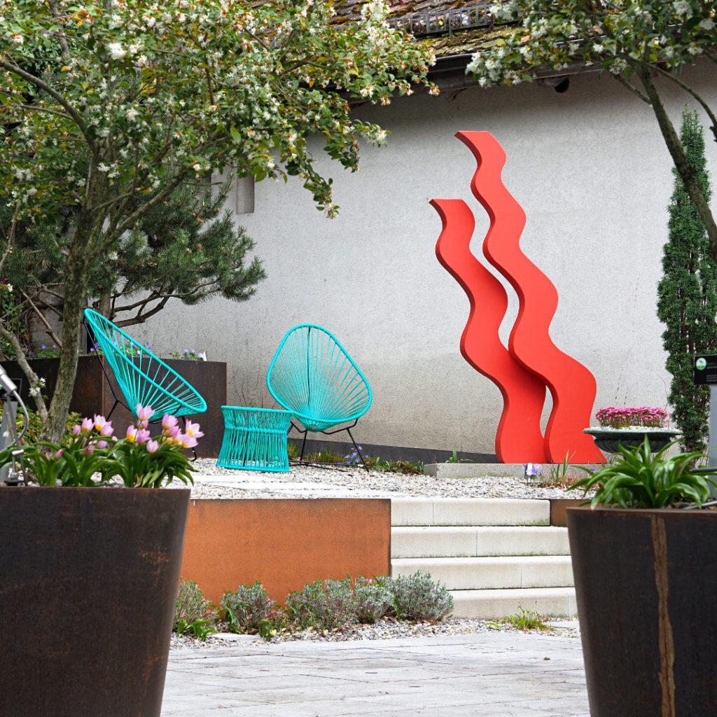Terrasse-Restaurant-DaGino-IlGiardino-Skulpturen_P5063018_x2_klein_quadrat