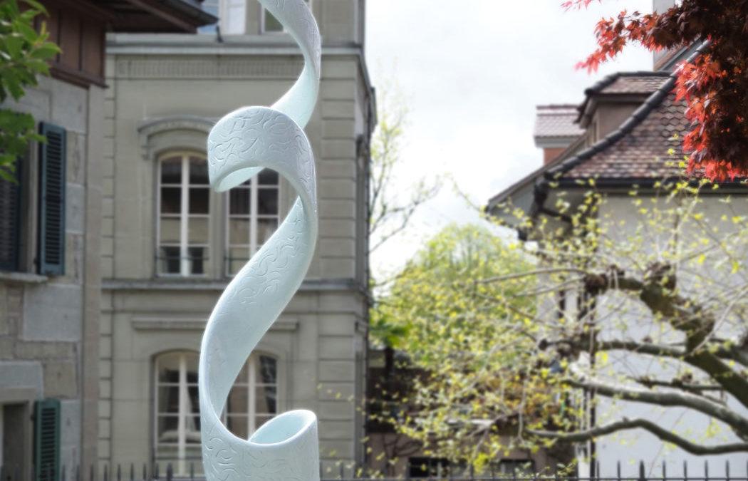 Die neue Skulptur von Adrian Bütikofer im Skulpturengarten